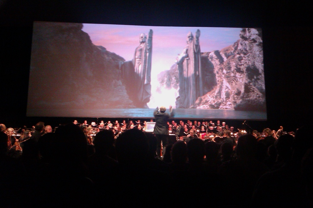 Beautiful shot of the orchestra, choir and the movie - perfect timing!