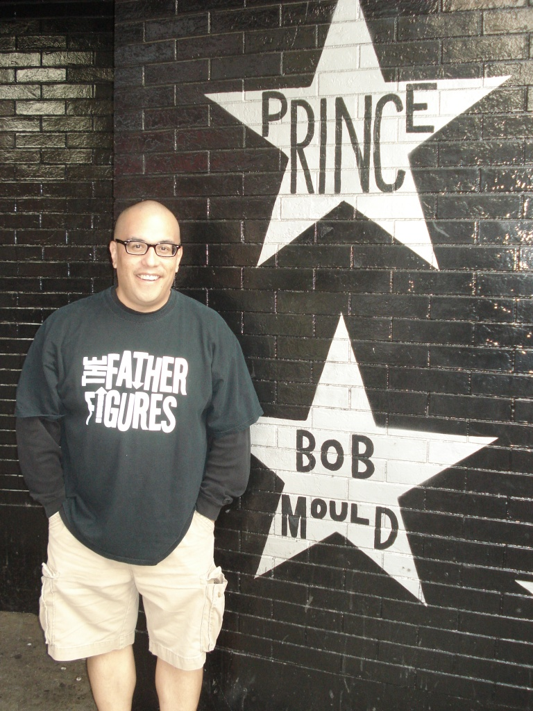 outside the First Avenue before the Mould concert - Minneapolis - yep I found the Bob Mould star! - 9-15-2012